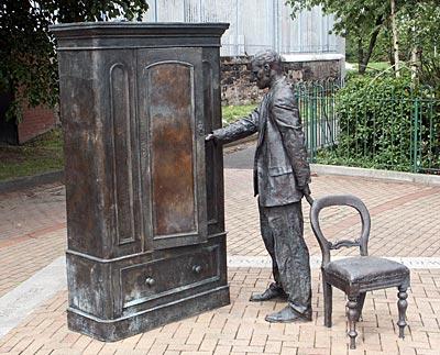 cs-lewis-statue-belfast